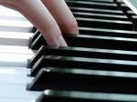 play-piano-7626_640